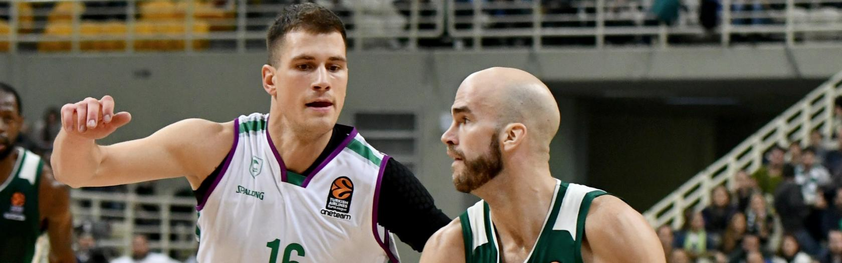 Nedovic defiende a Calathes
