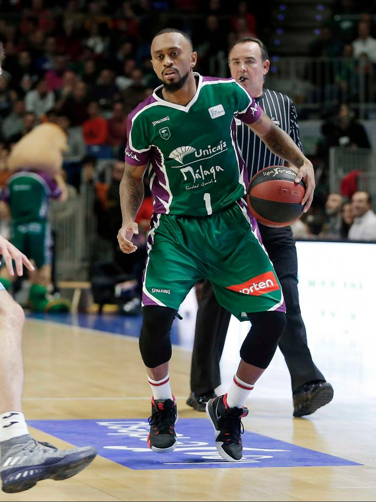 Boatright bota ante su un rival