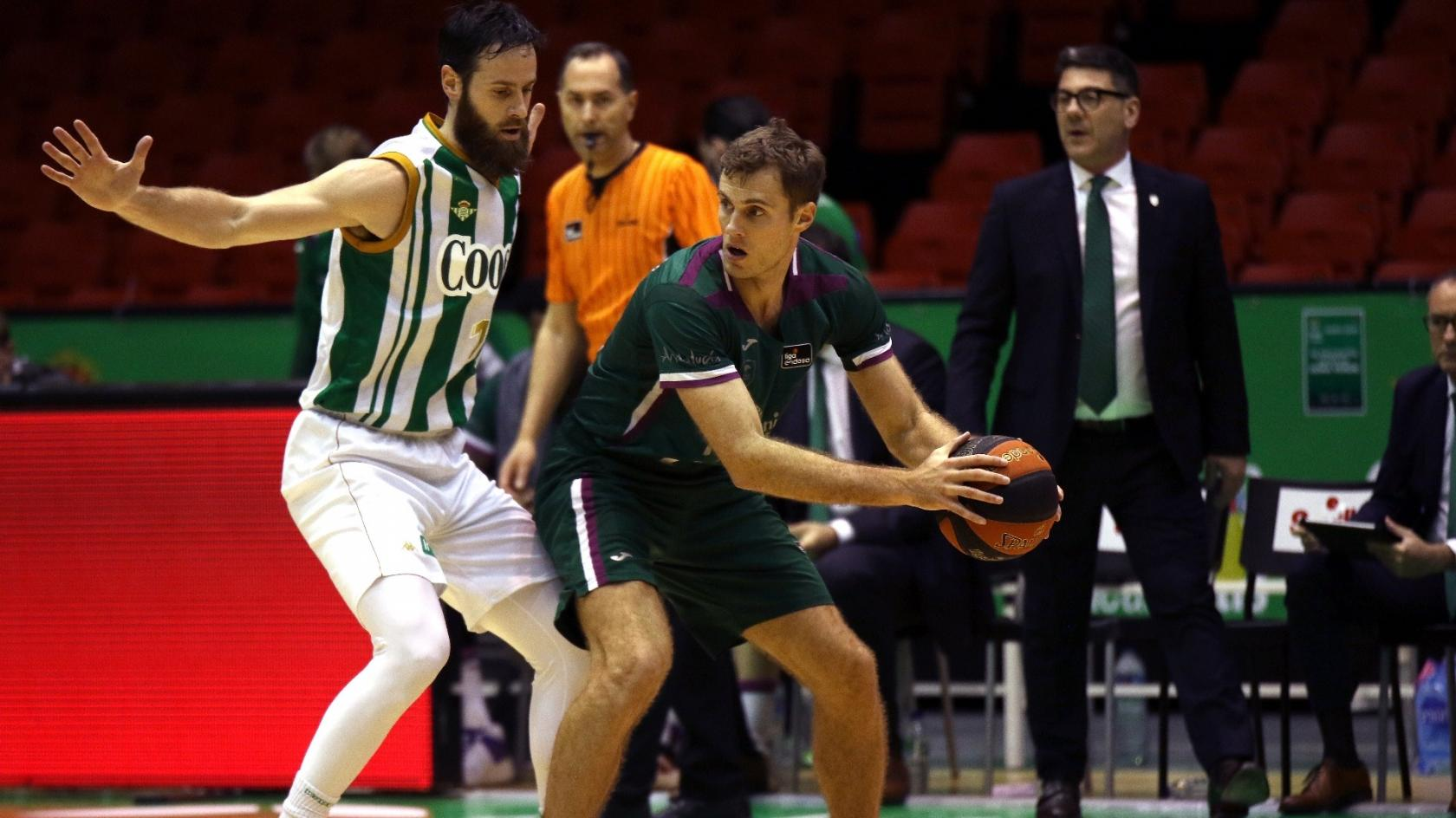 The lack of accuracy condemns Unicaja in Seville (78-75)