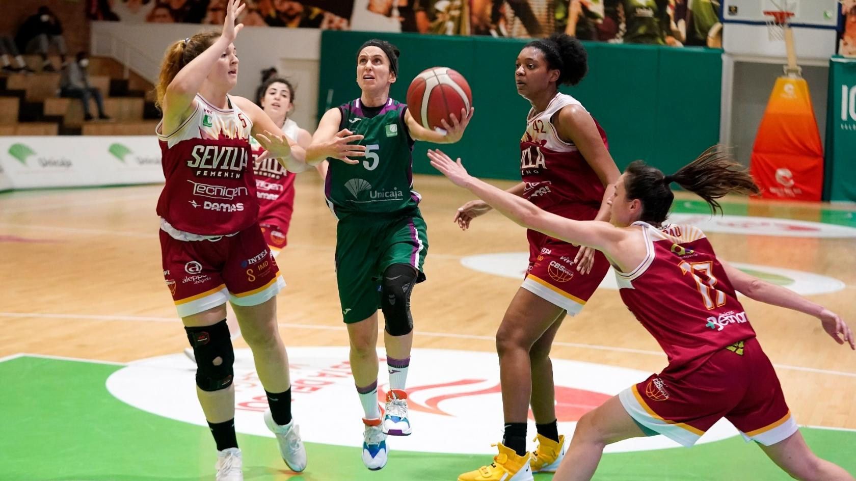 Unicaja is redeemed in Los Guindos (71-40)